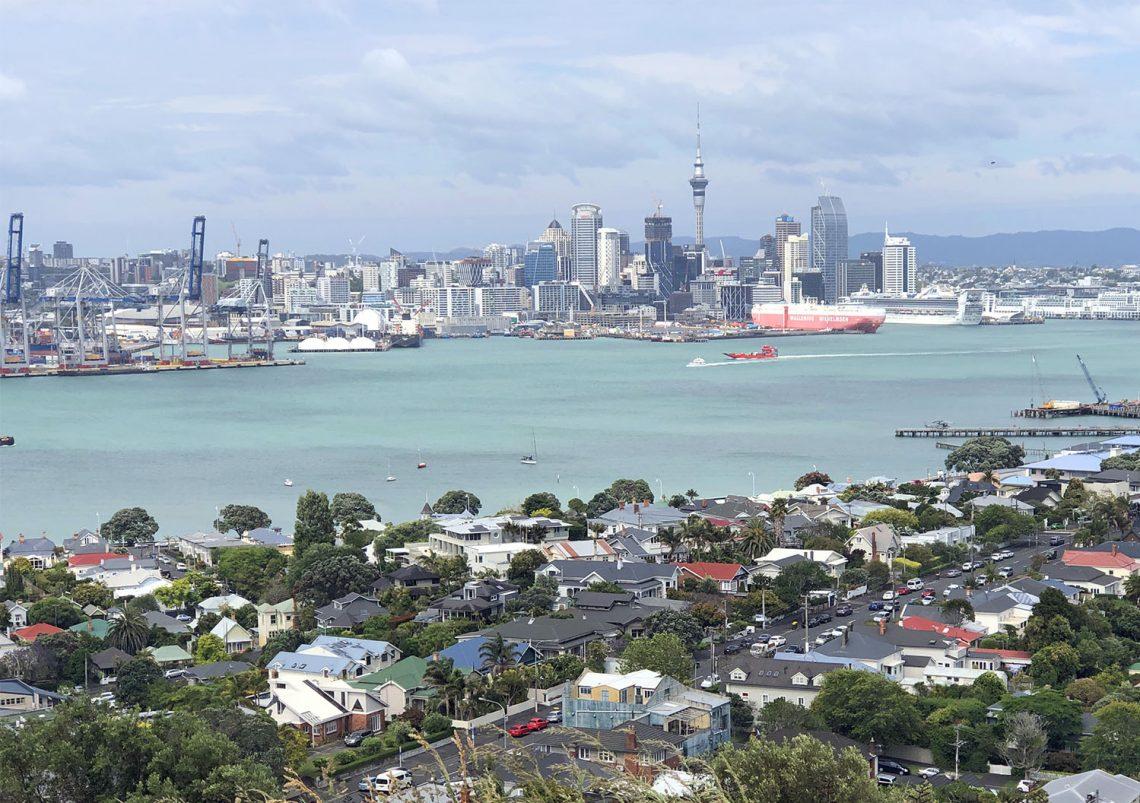 Auckland CBD vanaf Mount Victoria in Devonport