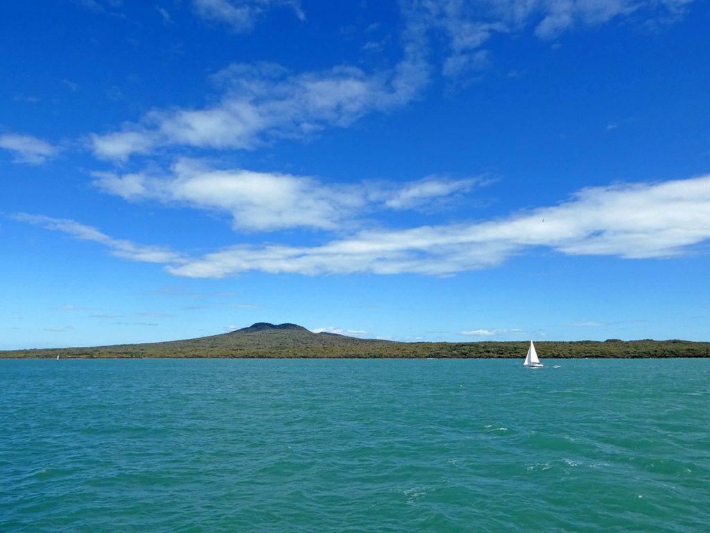 Rangitoto Island in de Hauraki Gulf