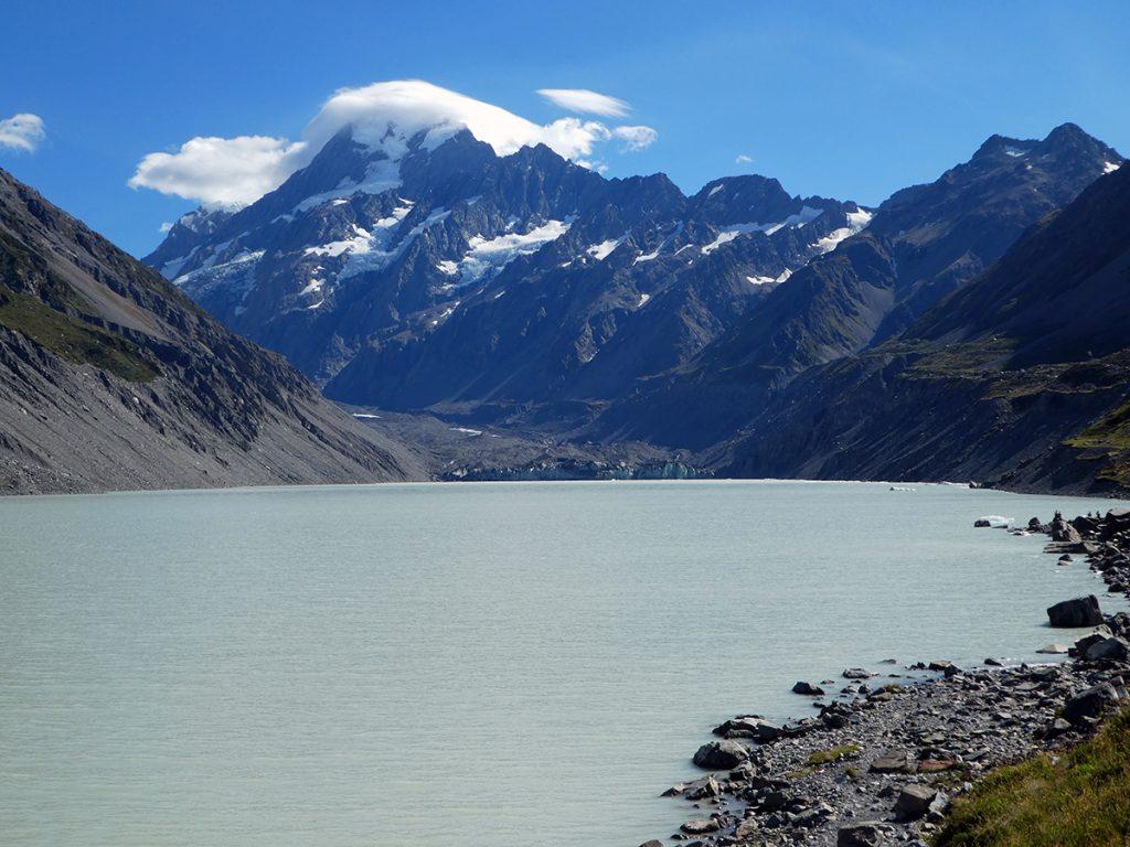 Hooker Lake en Hooker Glacier aan de voet van Mount Cook