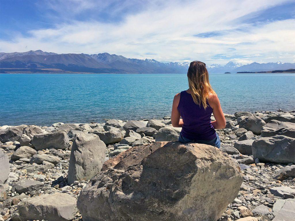 De rit Lake Tekapo - Mount Cook langs Lake Pukaki