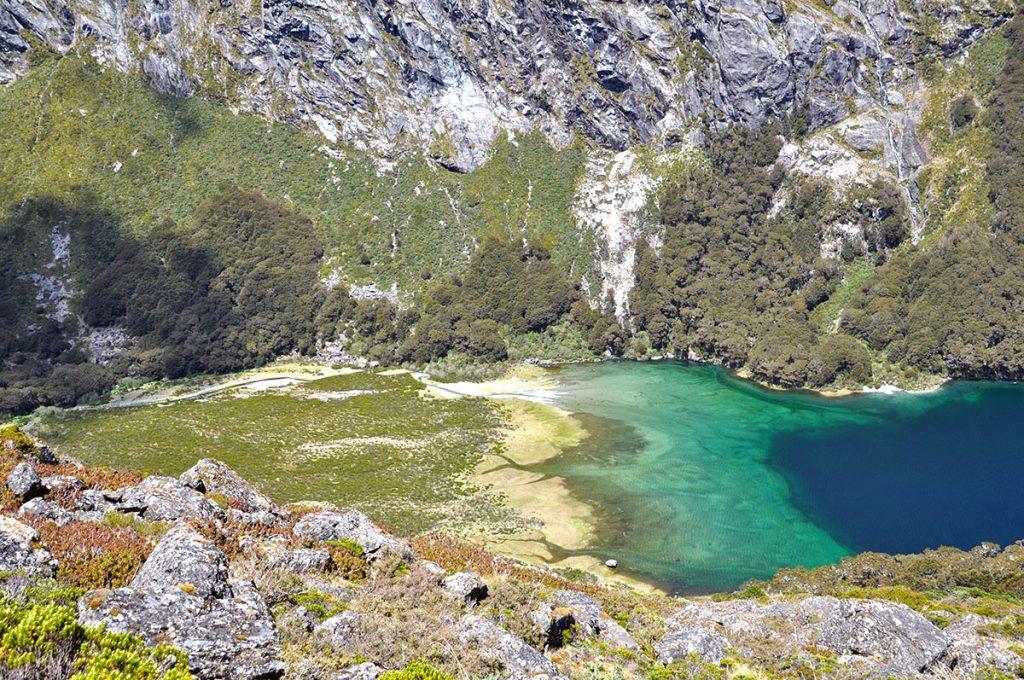 Lake Mackenzie op de Routeburn Track een van de mooiste meerdaagse hikes op Nieuw-Zeeland