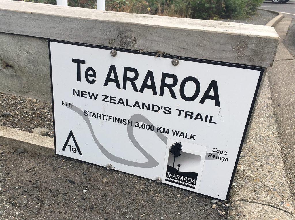 Het Te Araroa bord bij Bluff